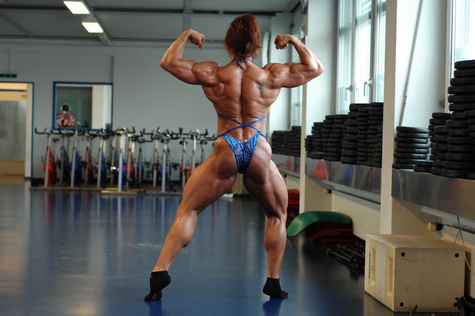Hot muscular women .18+