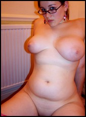 busty_girlfriends_000295.jpg