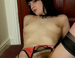 Natural and hairy sluts photos Image 5