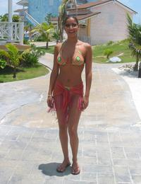 A hot cutie posing at the Boracay Image 3