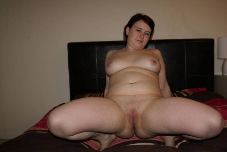 Horny fat chubby gf playing wit her wet pussy and cumming 1