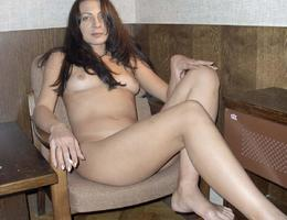 Nice milf waiting for something gelery Image 6