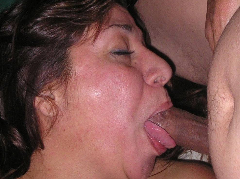 Throwing up huge cumshot