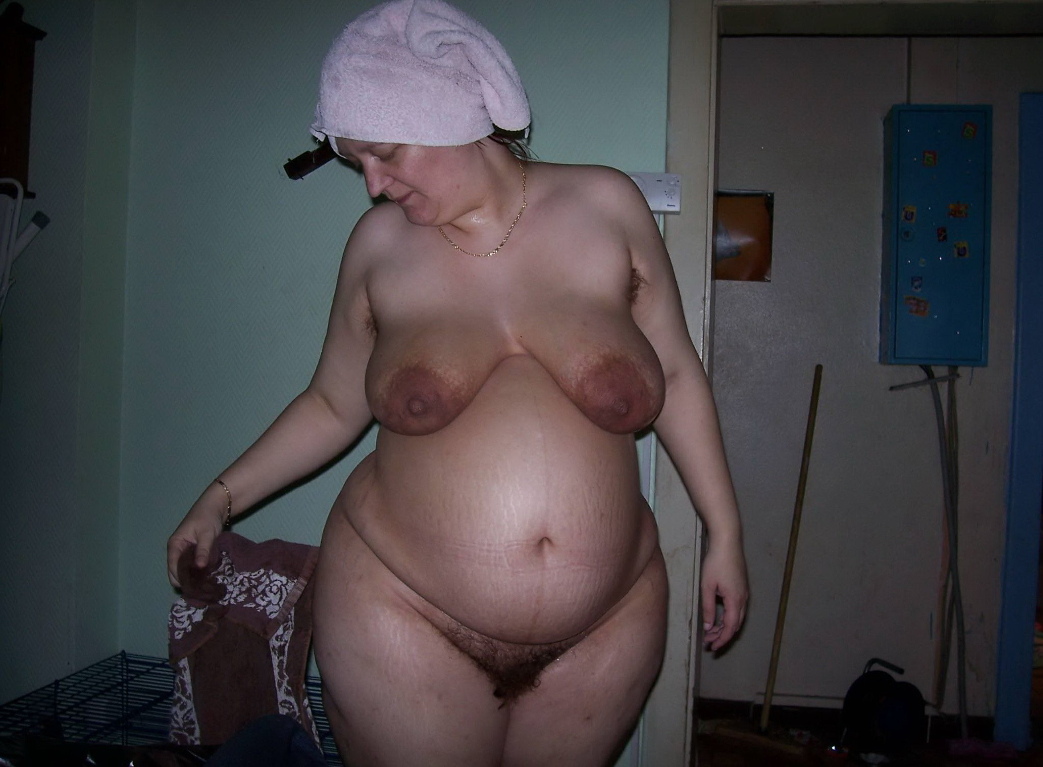 Nude fat pregnant wife